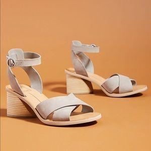 Dolce Vita Roman Heeled Sandals   NWT